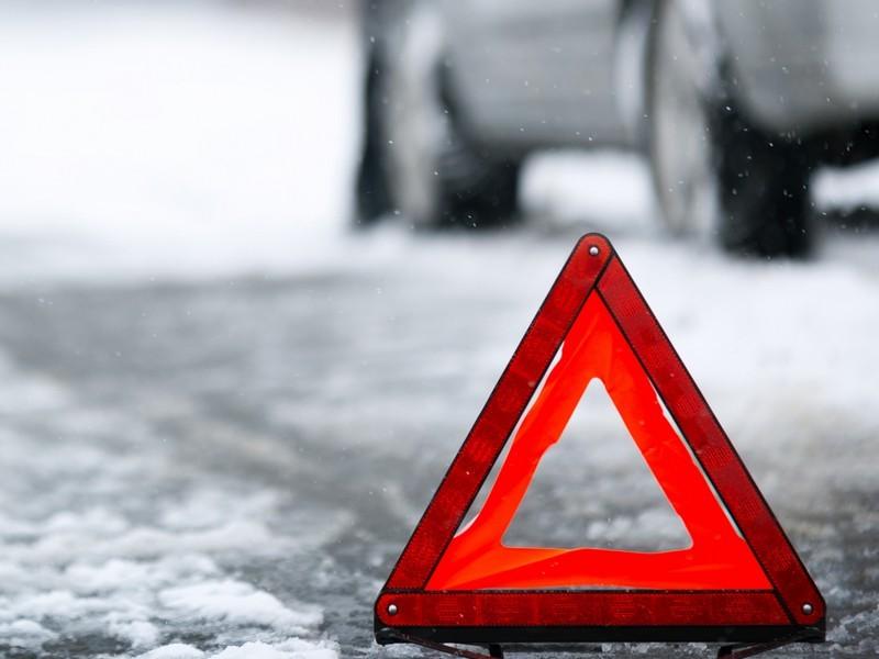 ВБрянске ВАЗ врезался встолб: пострадал 22-летний пассажир