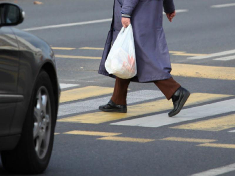 ВБрянске шофёр иномарки сбил пенсионерку: милиция ищет очевидцев